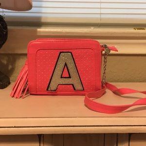 Girls Jot PINK side purse!